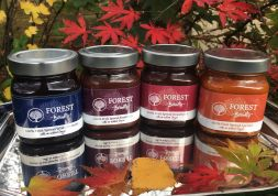 NEW 100% Fruit Spreads!